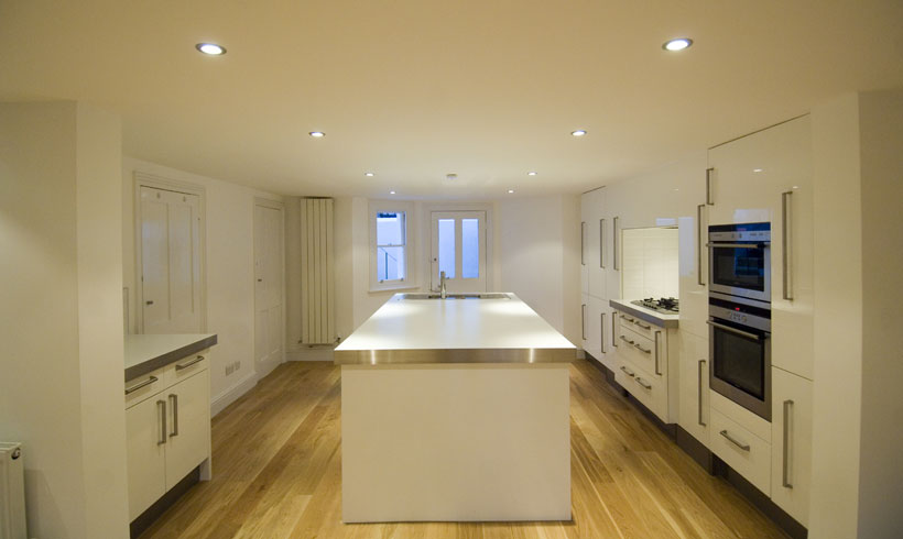 Elegant Kitchen image Copyright Daniels Construction - Cambridge - UK