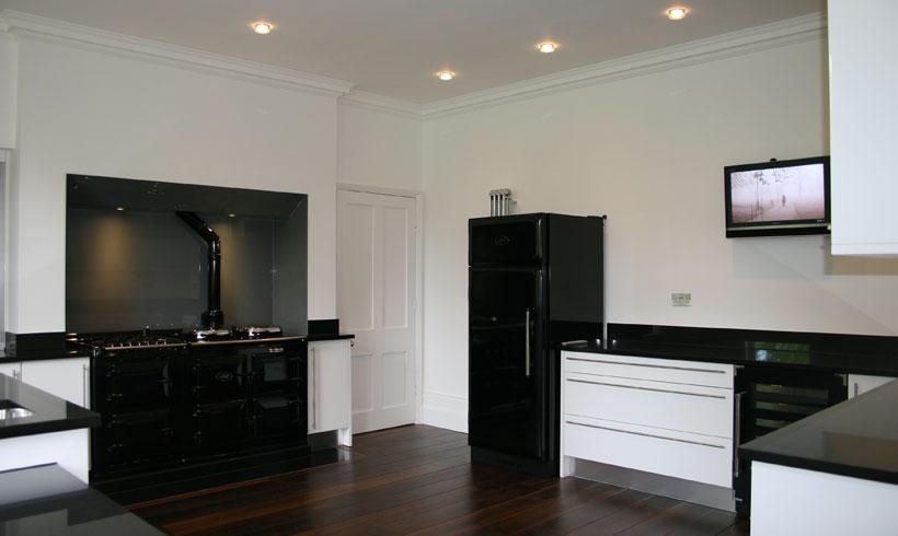 Elegance in black and white - kitchen image Copyright Daniels Construction - Cambridge - UK